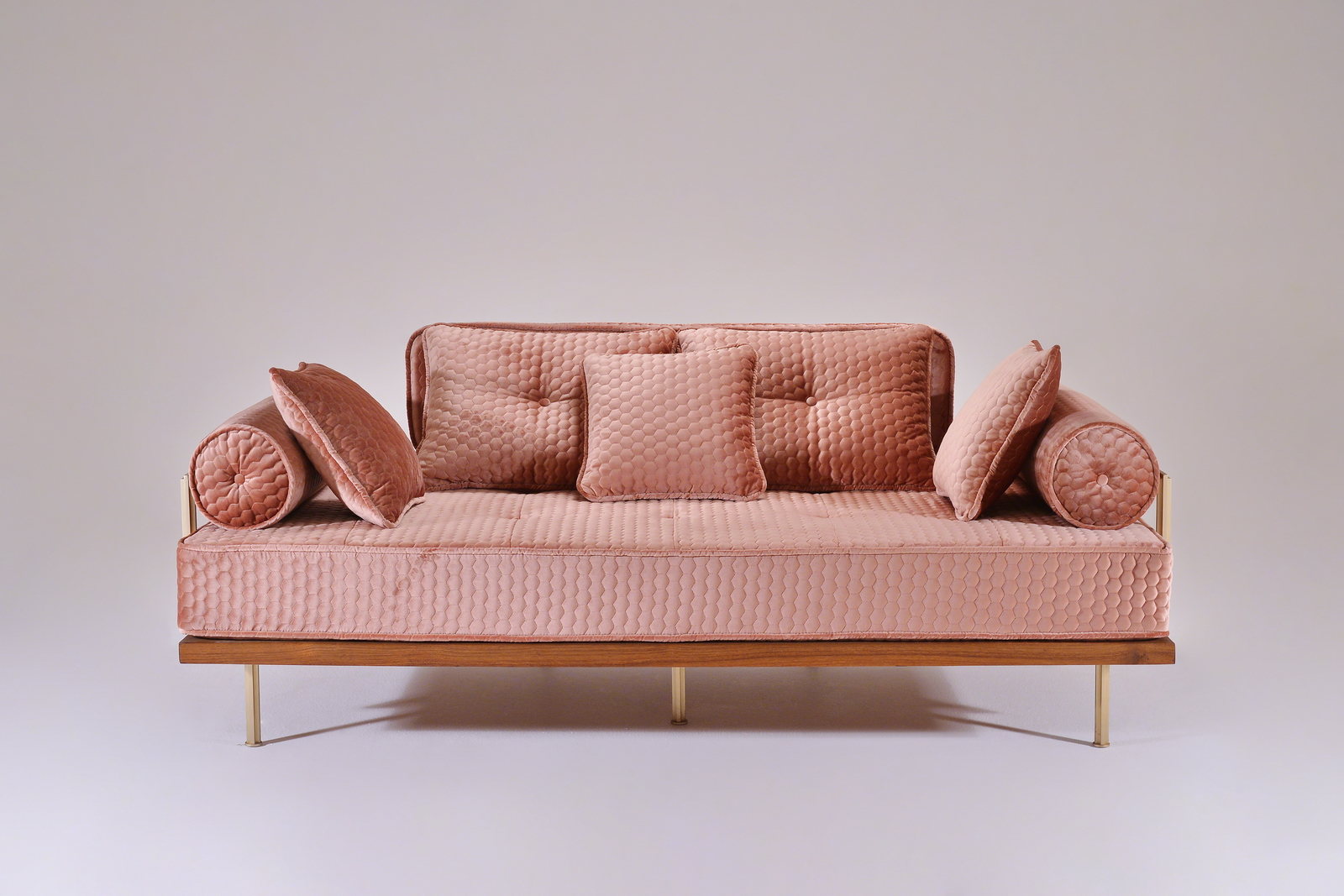 PTendercool-Sofa-PT71-BS1-TE-DO-GYD Quercus (Rosa)-01