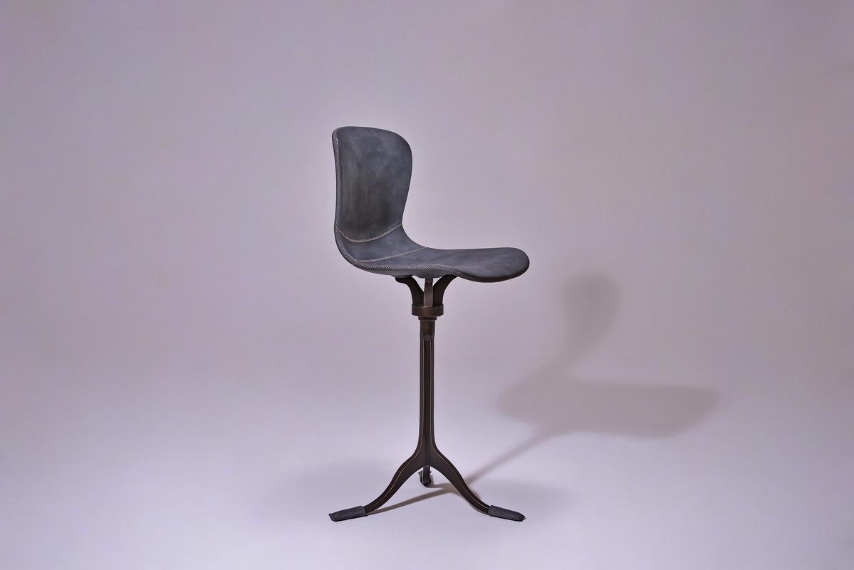 https://ptendercool.com/creation/chairs/chairs-work-desk/pt461-chair-swivel-sand-cast-bronze-base/